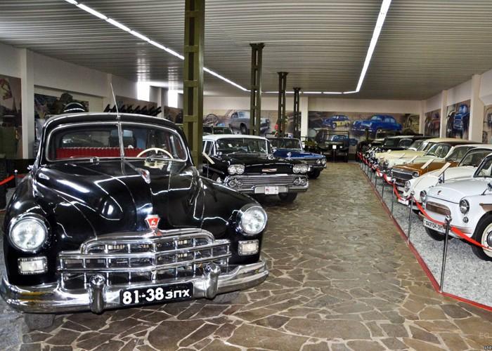Музей ретро автомобилей - достопримечательности Запорожья от отеля Венеция